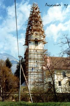 cerkev-predvor
